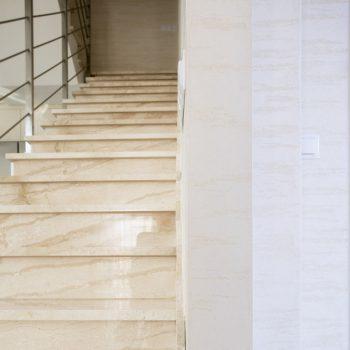 Rénovation de sol escalier mur en marbre